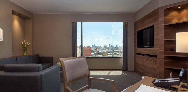 executive-suite-bedroom002-2