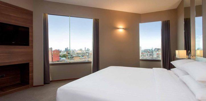 one-bedroom-suite001-2