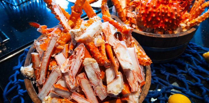 treat-your-valentine-to-alaska-king-crab-seafood-2